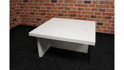 Nový malý bílý konferenční stůl lesk
