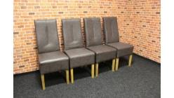 Nová 4x hnědá mohutná židle nohy dřevo
