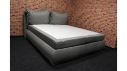 Nová šedá boxspring postel polštáře