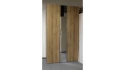 Nová hnědá šatní skříň 3 dveře - zrcadlo