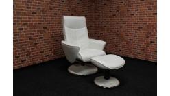 Nové bílé relax křeslo s podnožkou
