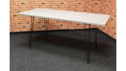 Nový šedočerný jídelní stůl