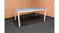 Nový šedobílý zahradní stůl kov sklo