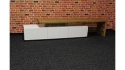 Nový hnědobílý TV stolek masiv COMANO