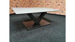 Nový šedočerný konferenční stůl DELIA