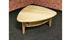 Nový konferenční stůl masiv trojúhelník
