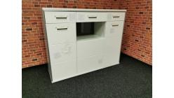 Nová velká bílá skříňka TRENTO lesk