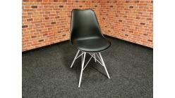 Nová jídelní židle DESY černobílá