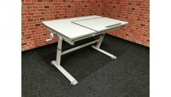 Nový psací stůl STARTER rostoucí