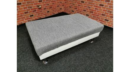 Nový šedobílý taburet